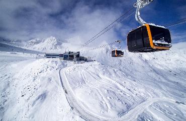 Rodzinny wyjazd w Alpy przesunięty na grudzień
